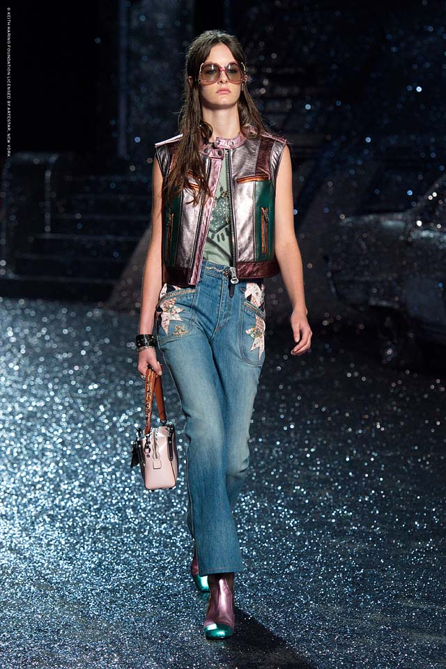 coach-spring-summer-2018-outfit-collection (28)-sleeveless-vest-jeans