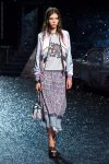 coach-spring-summer-2018-outfit-collection (30)-printed-skirt