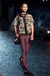 coach-spring-summer-2018-outfit-collection (33)-graphic-print-shirt