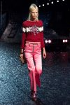 coach-spring-summer-2018-outfit-collection (41)-sweater-skinny-belt