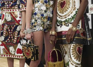 dolce-and-gabbana-spring-2018-queen-of-hearts-collection-review