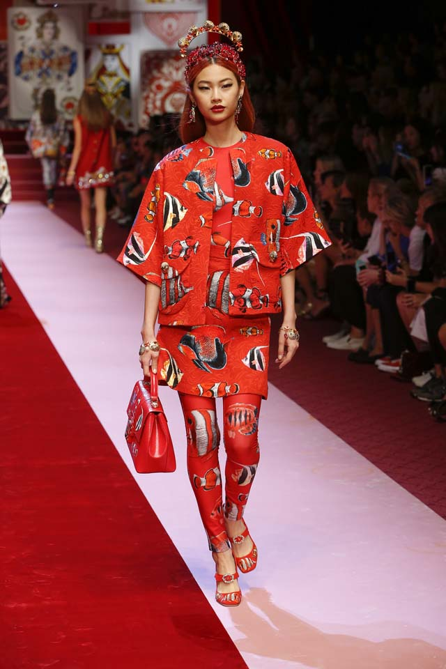 dolce-and-gabbana-spring-summer-2018-ss18-rtw (61)-fish-print-leggings