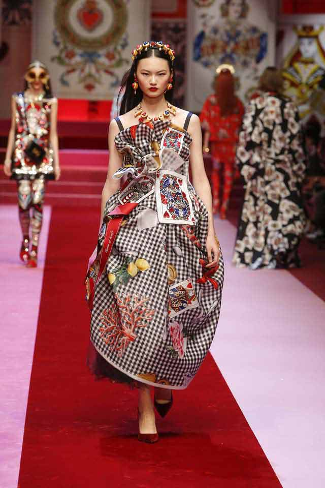 dolce-and-gabbana-spring-summer-2018-ss18-rtw-(65)-gingham-print-dress