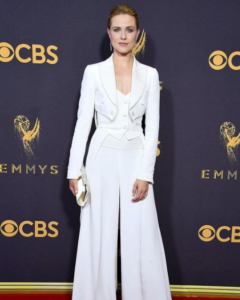 evan-rachel-wood-moschino-white-pant-suit-cropped-jacket