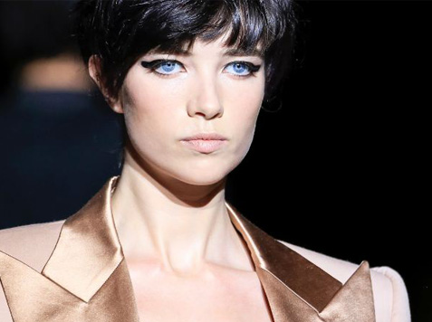 fashion-week-makeup-trends-tom-ford-runway-hairstyle-cropped-hair-bangs-2018
