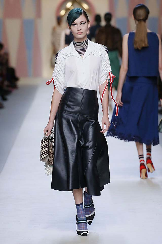 fendi-spring-summer-2018-ss18-rtw-collection (26)-leather-skirt