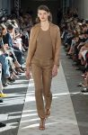 max-mara-spring-summer-2018-ss18-rtw-collection (1)-matching-suit