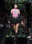 moschino-spring-summer-2018-ss18-rtw-collection (2)-fluffy-skirt