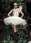 moschino-spring-summer-2018-ss18-rtw-collection (32)-sunglasses-tulle-skirt