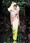 moschino-spring-summer-2018-ss18-rtw-collection (37)-one-shoulder-gown