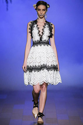 naeem-khan-spring-summer-2018-ss18-rtw-collection-1-lace-dress