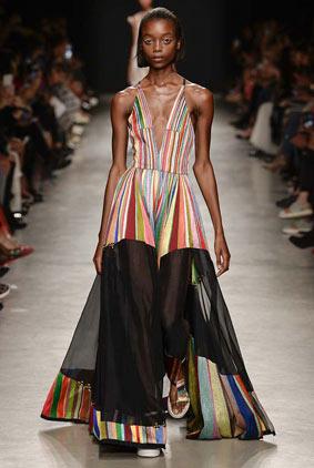 rahul-mishra-spring-summer-2018-ss18-rtw-collection-1-sheer-skirt