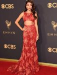 sarah-hyland-zac-posen-fall-leaves-motif-gown-cut-out