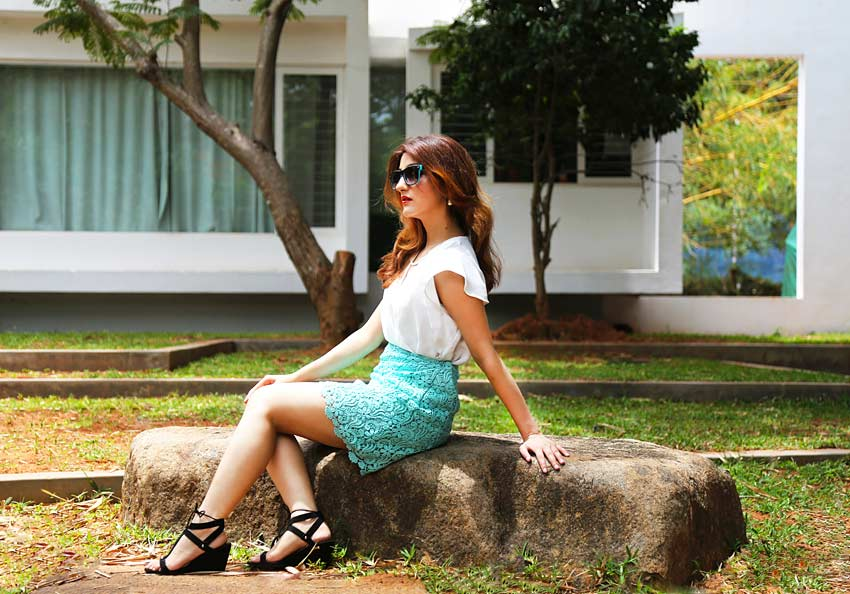 shilpa-ahuja-cute-summer-dress-outfit-blue-skirt-blogger-style