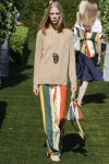 tory-burch-spring-summer-2018-ss18-rtw-collection (34)-striped-pant