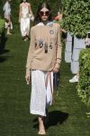 tory-burch-spring-summer-2018-ss18-rtw-collection (38)-sweater-sunglasses