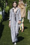 tory-burch-spring-summer-2018-ss18-rtw-collection (40)-striped-maxi-dress