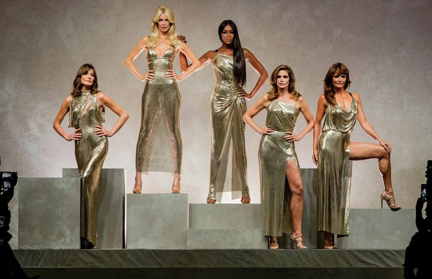 dba66707 Versace Spring 2018 Collection Pays Homage to Gianni Versace