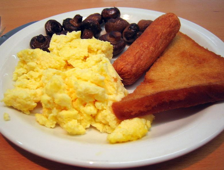 1-scrambled-eggs-toast-healthy-morning-breakfast