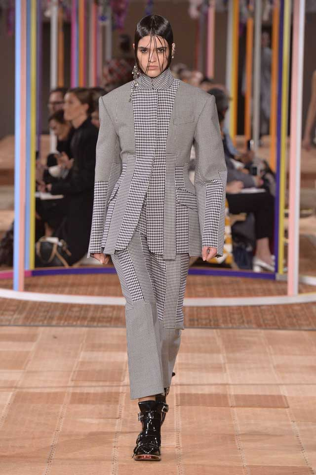 alexander-mcqueen-spring-2018-ss18-rtw (24)-houndstooth-suit