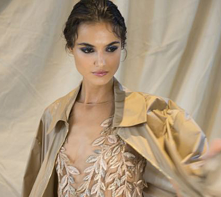 best-runway-beauty-trends-alberta-ferreti-dewy-look-smokey-eye