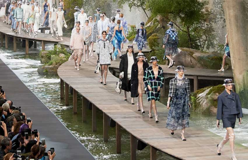 chanel-spring-summer-2018-rtw-ss18-collection-paris-fashion-week