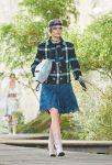 chanel-spring-summer-2018-ss18-rtw-collection (20)-metallic-skirt