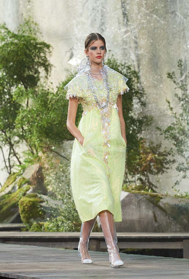 chanel-spring-summer-2018-ss18-rtw-collection (68)-dress-with-pockets