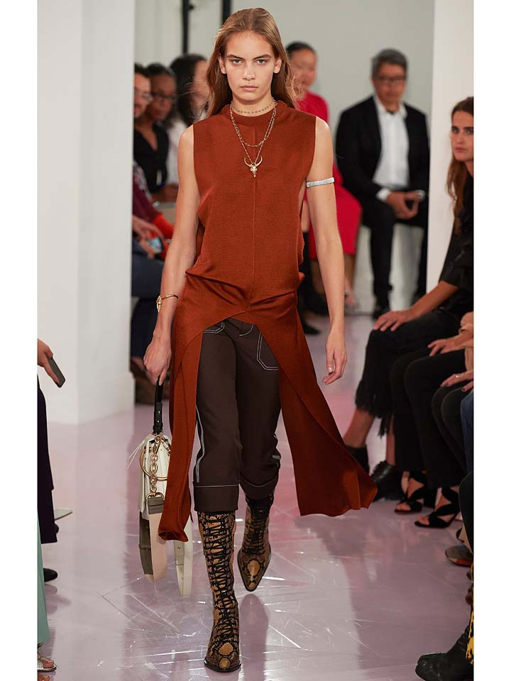 chloe-spring-summer-2018-ss18-rtw-collection (21)-brown-slit-top