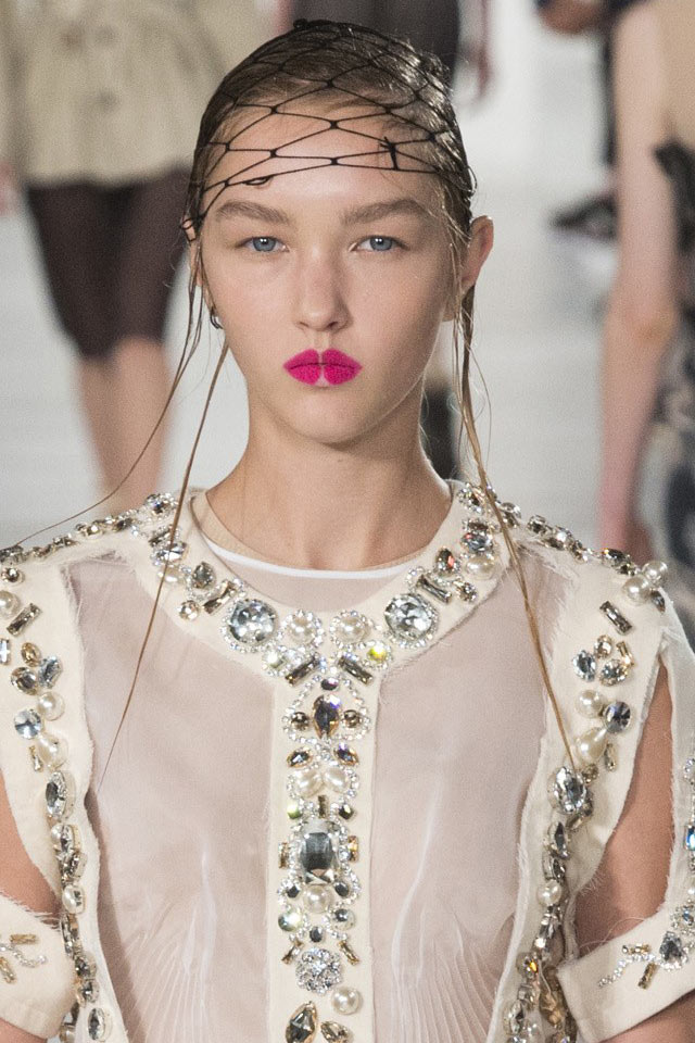 Latest Makeup Styles For Spring Summer 2018 Runway