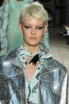 designer-versus-versace-spring-summer-2018-SS18-rtw-collection-hair-trend-analysis-pixie-cut