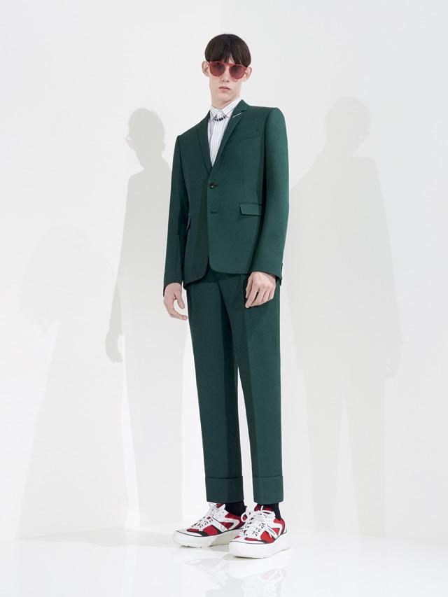 dior-homme-spring-2018-ss18-rtw (1)-dark-green-suit