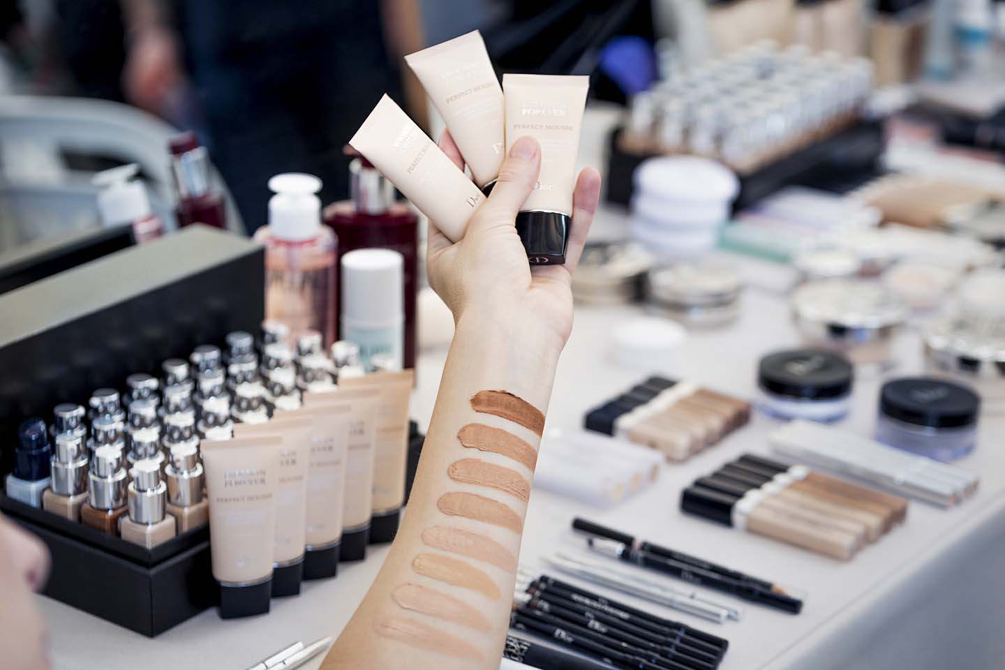dior-spring-summer-2018-ss18-rtw-makeup-beauty-looks (3)-foundation-shades