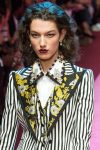 dolce-and-gabbana-spring-summer-2018-ss18-rtw-36-striped-pant-suit-chocalate-brown-lips-trend-analysis