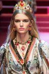 dolce-and-gabbana-spring-summer-2018-ss18-rtw-60-flowy-dress-peach-lips-trend-beauty-analysis