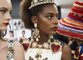 dolce-gabbana-details-spring-summer-2018-collection-latest-trends