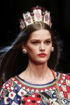 dolce&gabbana-spring-summer-2018-SS18-rtw-collection-hair-accessory-trend-analysis-cards-tiara
