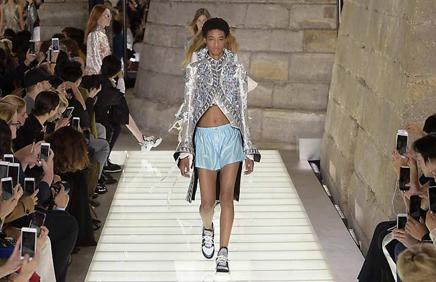Louis Vuitton spring 2018 louis-vuitton-spring-summer-2018-rtw-ss18-collection-runway