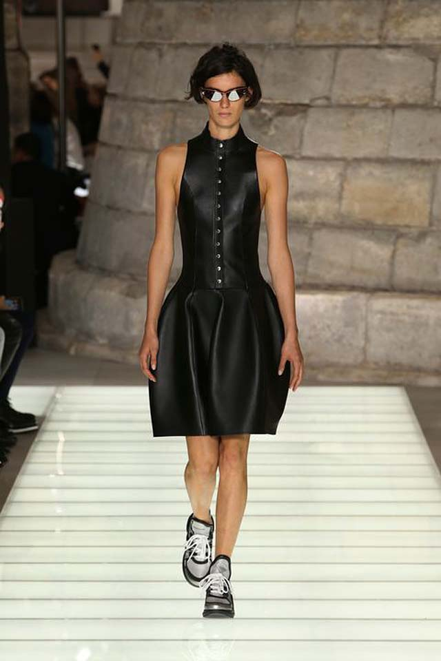 louis-vuitton-spring-summer-2018-ss18-rtw-collection (7)-leather-dress