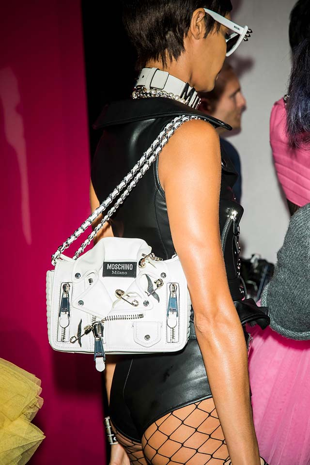 moschino-spring-summer-2018-ss18-rtw-backstage-pics (24)-bag
