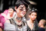 moschino-spring-summer-2018-ss18-rtw-backstage-pics (42)-oversized-sunglasses