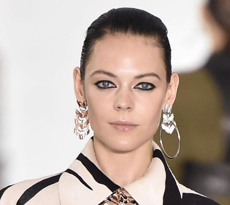 roberto-cavalli-bold-eye-nude-lip-makeup-look-slicked-back-ponytail-trend