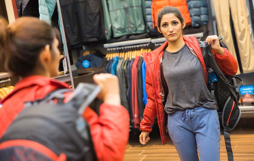 shilpa-ahuja-trekking-look-hiking-wear-outfit-fashion-clothes