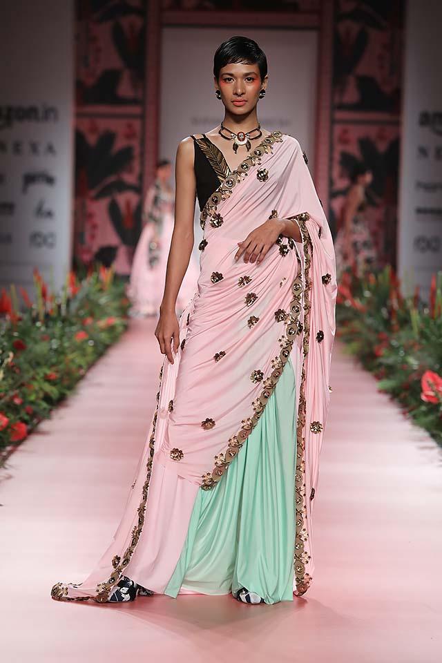 shivan-narresh-amazon-india-fashion-week-ss18-aifw18-indian-designer-4-pre-draped-saree