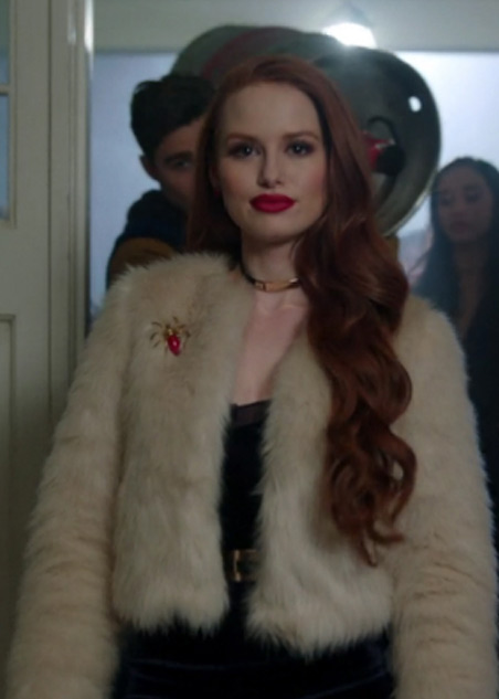 top-riverdale-fashion-looks (9)-outfit ideas-cheryl-choker-necklace-fur-jacket-spider-brooch