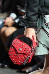 versus-spring-summer-2018-ss18-rtw (44)-studded-bag