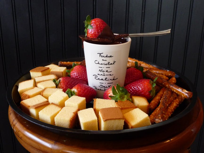 best-chocolate-fondue-party-ideas-desserts-parties-easy-simple