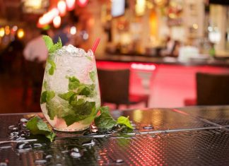 best-pubs-in-chennai-resto-bar-alcohol-drinks-cocktail-dance-floor