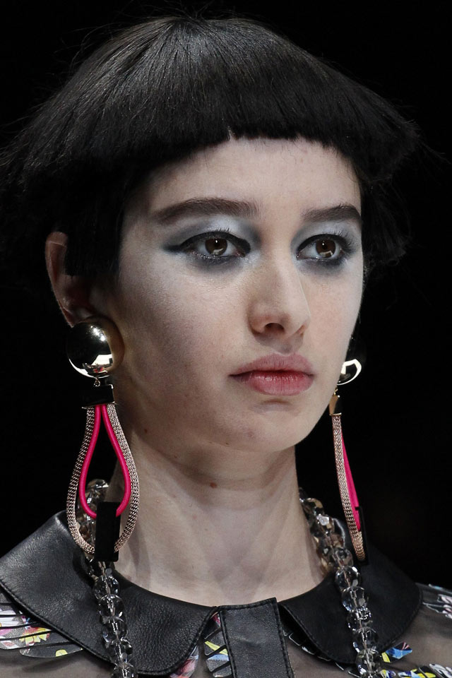 jewelry-trend-analysis-slubanalytics-2018-large-drop-earrings-giorgio-armani
