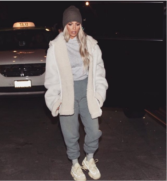 kim-kardashian-casual-fashion-instagram-looks-winter-style-joggers